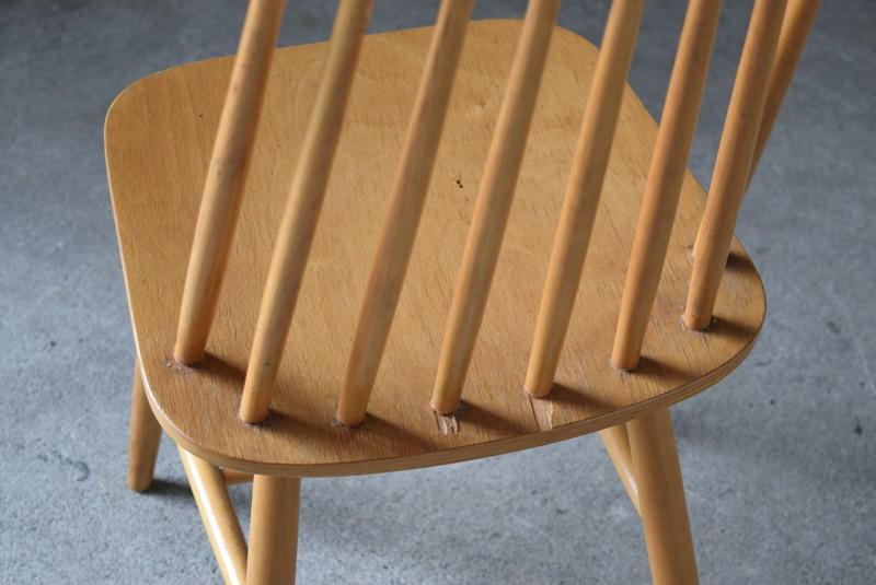 座面後方に少々剥がれあり,イギリス,北欧,ウィンザーチェア,椅子,チェア,ヴィンテージ,アンティーク,イルマリタピオヴォーラ,ファネットチェア,コームバック