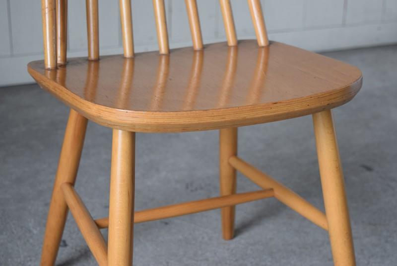 座面厚み,イギリス,北欧,ウィンザーチェア,椅子,チェア,ヴィンテージ,アンティーク,イルマリタピオヴォーラ,ファネットチェア,コームバック