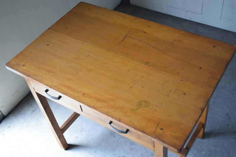俯瞰,アンティーク,デスク,机,テーブル,作業台,平机,引き出し,無垢材,ヴィンテージ
