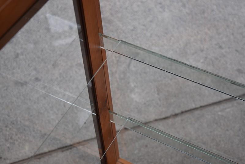 綺麗な内部,アンティーク,陳列,ガラスショーケース,ガラスケース,食器棚,コレクションボード,パンケース,店舗,什器