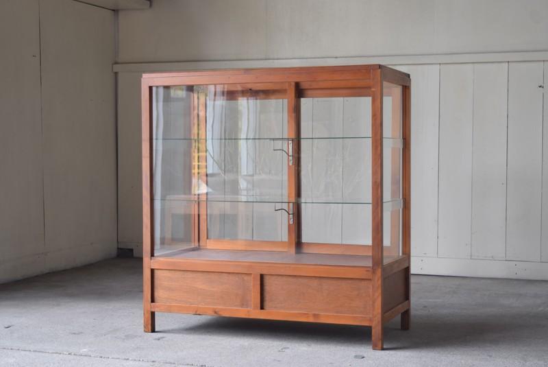 アンティーク,陳列,ガラスショーケース,ガラスケース,食器棚,コレクションボード,パンケース,店舗,什器