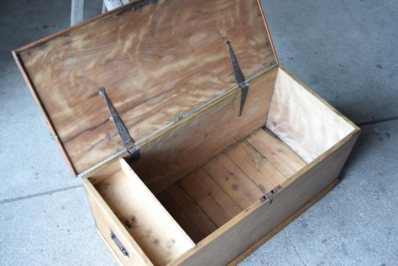 大容量の収納としても,イギリス,アンティーク,トランク,木製,船トランク,収納,ローテーブル,ディスプレイ