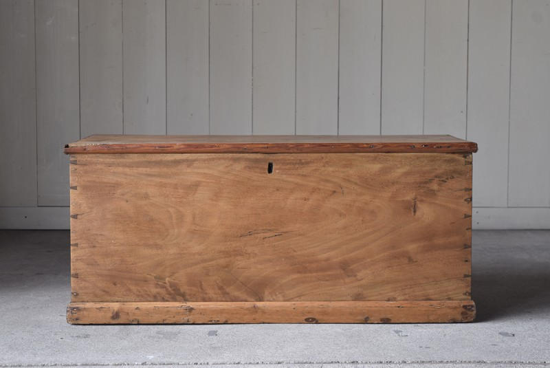 店舗什器やディスプレイとしても,イギリス,アンティーク,トランク,木製,船トランク,収納,ローテーブル,ディスプレイ