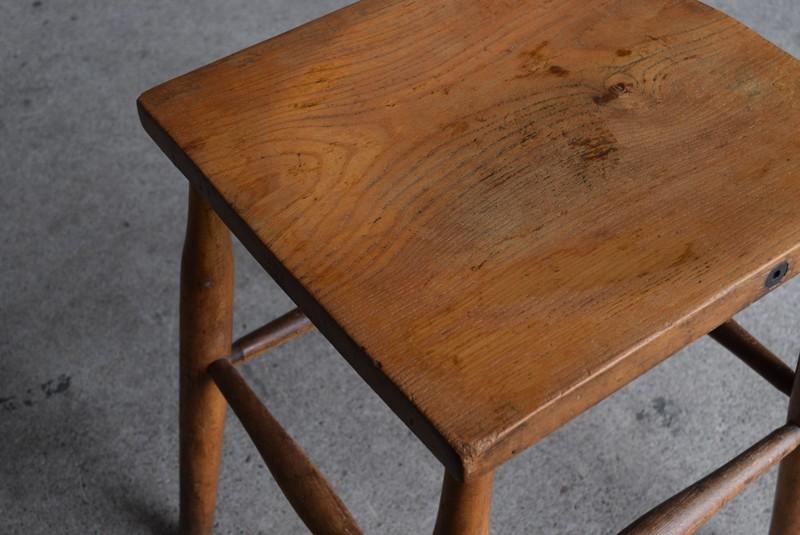 アーコール ウィンザーチェア 椅子ercol,イギリスアンティーク 木製 四角い座面のスツール