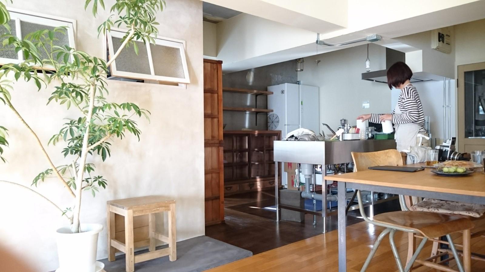 今まで集めてきた好きな食器やツールが活き、お気に入りの家具に収まって並べたり使ったりする楽しみも同時に生まれました。