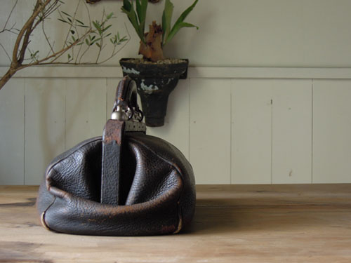 サイド,アンティーク,カバン,レザーバッグ,ドクターズバッグ,鞄,ショップ,ディスプレイ,古道具,雑貨