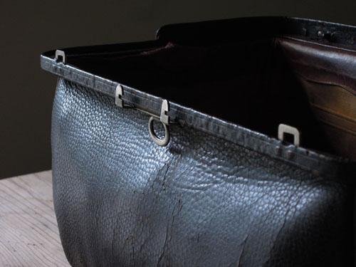 擦れやクラック,アンティーク,カバン,レザーバッグ,ドクターズバッグ,鞄,ショップ,ディスプレイ,古道具,雑貨