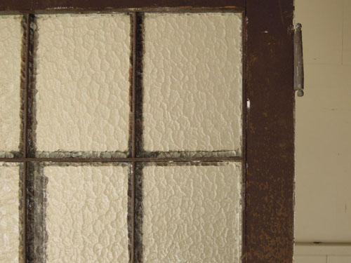 ガラスの雰囲気,アンティーク,ヴィンテージ,ドア,玄関ドア,白,ペイント,ガラス