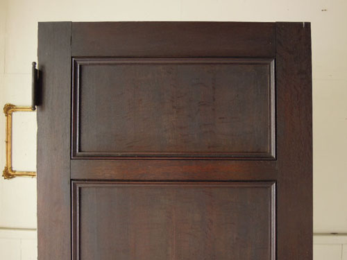 装飾もアンティークの風合い,アンティーク,ヴィンテージ,ドア,玄関ドア,白,ペイント,イギリス,オーク材