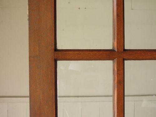 ガラス面もきれい,アンティーク,両開き扉,観音開き,ドア,建具,木製,洋館,店舗