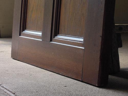 脚元,アンティーク,ヴィンテージ,建具,ドア,木製,玄関ドア,モールガラス