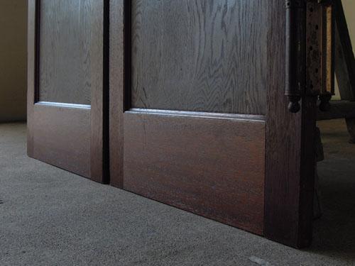 脚元の状態,アンティーク,ヴィンテージ,建具,木製,観音開き扉,両開き戸