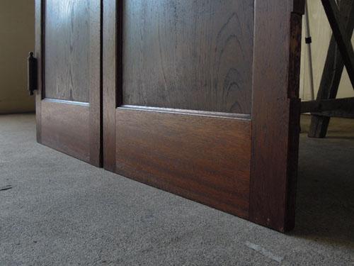 脚元,アンティーク,ヴィンテージ,建具,木製,観音開き扉,両開き戸
