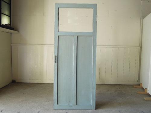 正面,アンティーク,ドア,木製,建具,ペイント,ブルーグレー,アトリエ,小屋