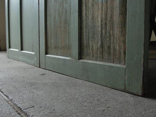脚元,アンティーク,ドア,建具,引戸,ペイント,ペールグリーン,リノベーション,店舗
