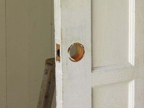 厚みのあるドア,アンティーク,ドア,建具,木製,ステンドグラス,格子,ペイント,白,リノベーション