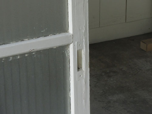 取っ手もペイント,アンティーク,ドア,建具,木製,ペイント,白,リノベーション,ガラス戸