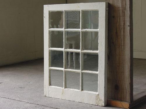 人気のホワイトペイント,アンティーク,窓,建具,木製,格子,ペイント,白,リノベーション