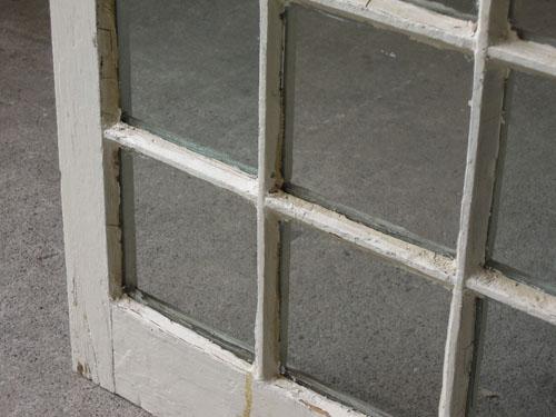 クリアガラスとのコントラスト,アンティーク,窓,建具,木製,格子,ペイント,白,リノベーション