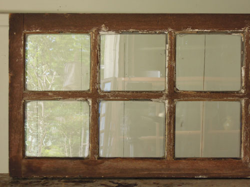 整然と並んだ四角,アンティーク,窓,建具,明かり取り,欄間,リノベーション