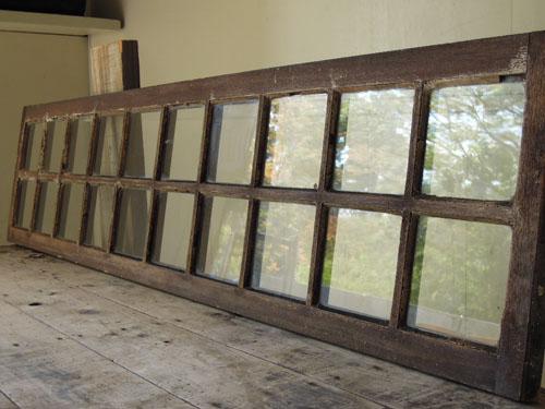 ゆらゆらとした当時の手漉きガラス,アンティーク,窓,建具,明かり取り,欄間,リノベーション