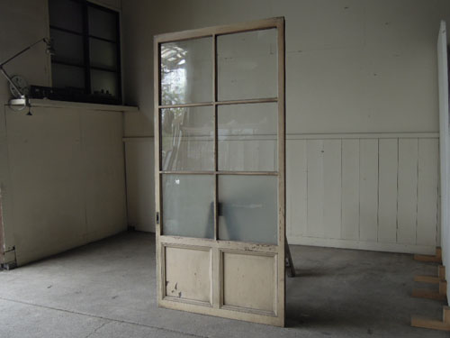アンティーク,ドア,建具,ペイント,白,茶,リノベーション,店舗,ガラス戸,