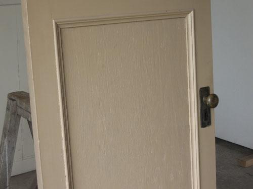 シンプルな装飾,アンティーク,ドア,片開き戸,ペイント,白,建具,リノベーション,店舗
