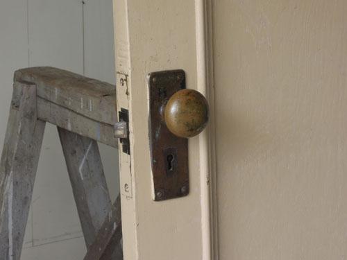 ドアノブ,アンティーク,ドア,片開き戸,ペイント,白,建具,リノベーション,店舗