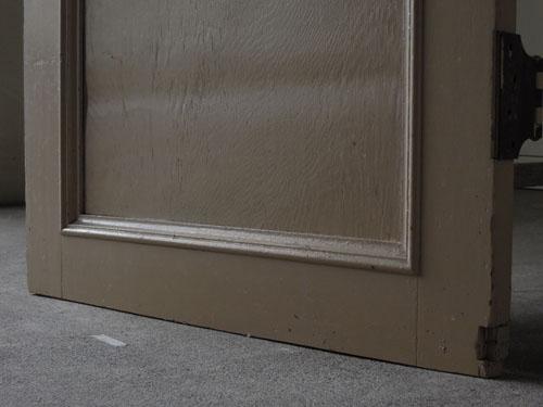 脚元,アンティーク,ドア,片開き戸,ペイント,白,建具,リノベーション,店舗