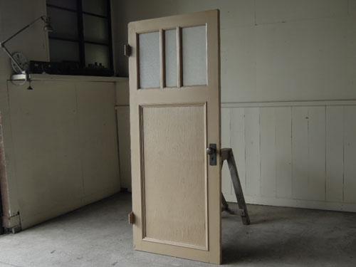 アンティーク,ドア,片開き戸,ペイント,白,建具,リノベーション,店舗,ガラス戸,カフェ