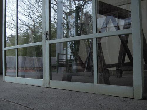 下部,アンティーク,窓,引き違い戸,ペイント,ブルーグレー,建具,ガラス戸,リノベーション,店舗