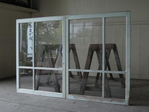 アンティーク,窓,引き違い戸,ペイント,ブルーグレー,建具,ガラス戸,リノベーション,店舗,カフェ