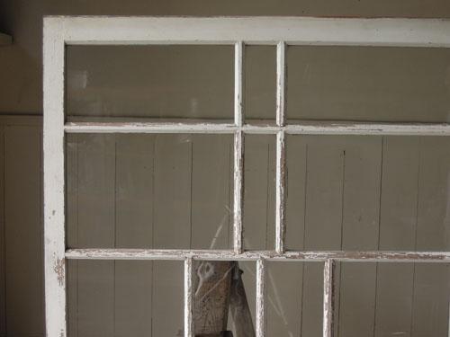 デザインの効いた格子,アンティーク,引き違い戸,ガラス戸,引戸,建具,ペイント,リノベーション,店舗,間仕切り