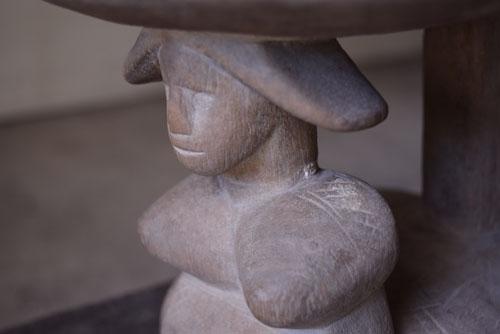 優しい表情,正面,アンティーク,アフリカ,台,杯,一本彫り,スツール,木製,プリミティブ,民族