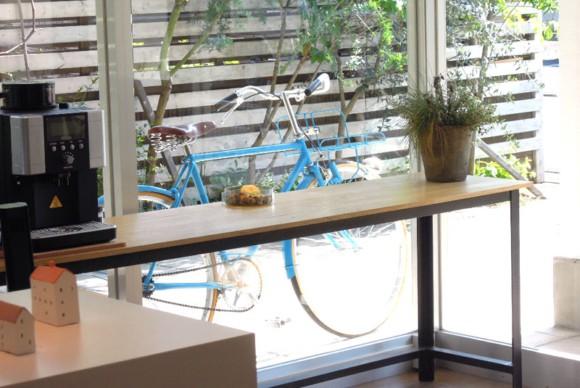 tokyobike,アイアンテーブル,オリジナル,観葉植物,川越,ヘアサロン,スパ,kohaku,コハク,美容室,内装,コーディネート