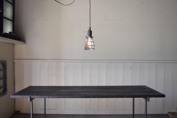 ダイニングテーブル,照明,リビング,アトリエ,書斎,ペンダントライト,マリンライト,マリンランプ,シグナルライト,ワークライト,インダストリアル照明,アトリエライト,フロアライト,アンティーク,ビンテージ,スタンドライト