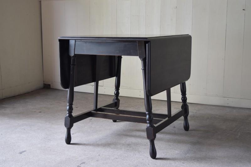 コンパクトに畳んだ状態,アンティーク,ヴィンテージ,バタフライテーブル,テーブル,ダイニングテーブル,カフェテーブル,机