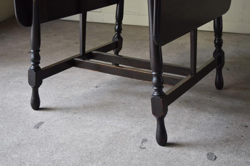 細身の脚がすっきりした印象,アンティーク,ヴィンテージ,バタフライテーブル,テーブル,ダイニングテーブル,カフェテーブル,机