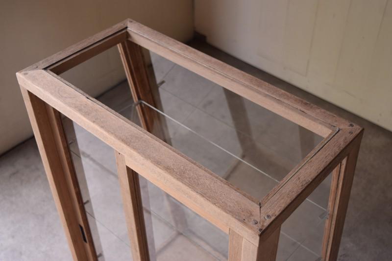 天板もガラス,アンティーク,ヴィンテージ,ガラスケース,ショーケース,ショップ,店舗,什器,食器棚