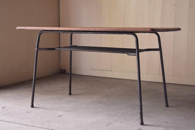 アンティーク,ヴィンテージ,テーブル,カフェ,鉄脚テーブル,工業系,インダストリアル,古材,ショップ,リファクトリー