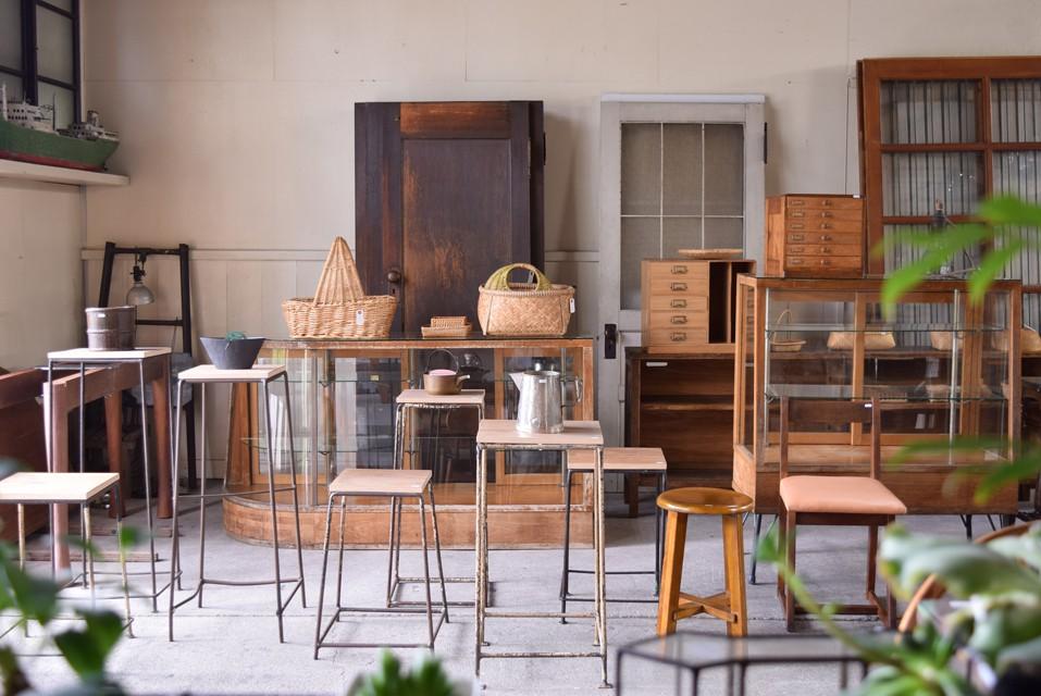 REFACTORY antiques,古道具,アンティーク家具,アンティークドア,古建具,雑貨,ショップ,ディスプレイ