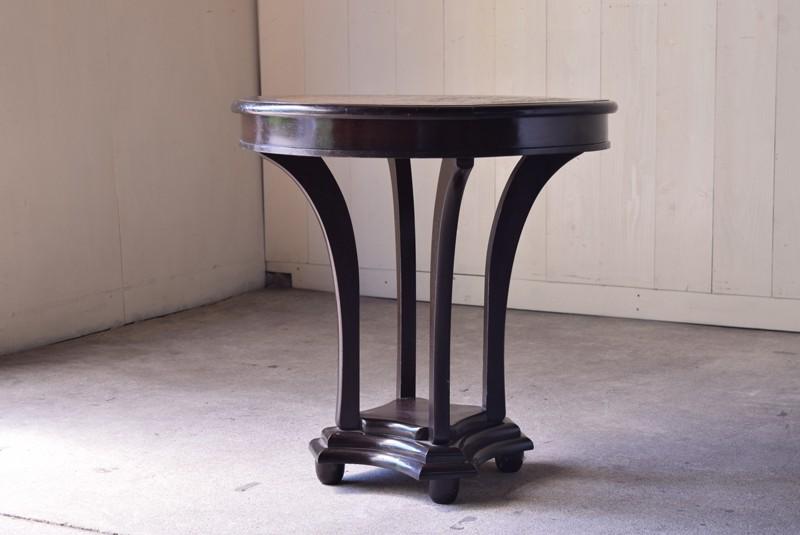 アンティーク,ラウンドテーブル,テーブル,カフェテーブル,飾り台,花台,桜材,洋館