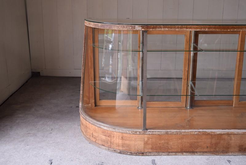 傾斜もついたRガラスは貴重,アンティーク,ガラスケース,ショーケース,パンケース,什器,陳列,ショップ