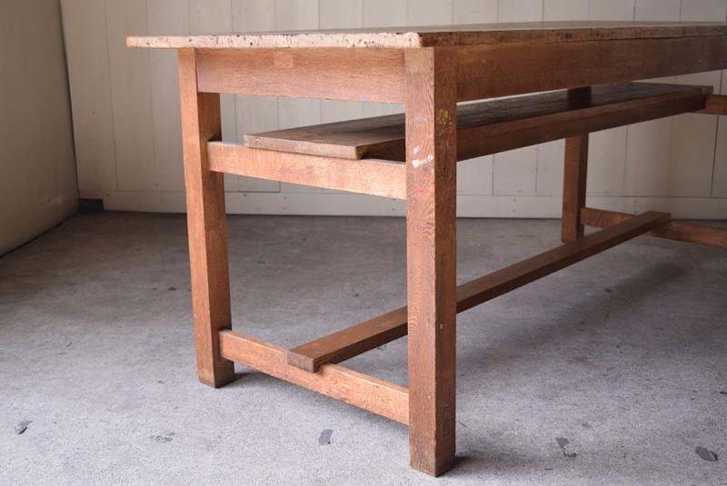 アンティーク,楢材,ナラ材,テーブル,作業台,学校,アトリエ,図工室,棚板付き