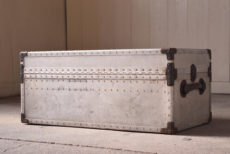 アンティーク,ヴィンテージ,トランク,船トランク,ジュラルミン,収納,ローテーブル,大型,うしろ