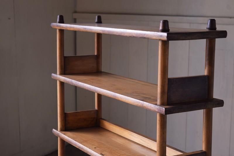味のある無垢材,アンティーク,本棚,オープンラック,収納,陳列,什器,ショップ