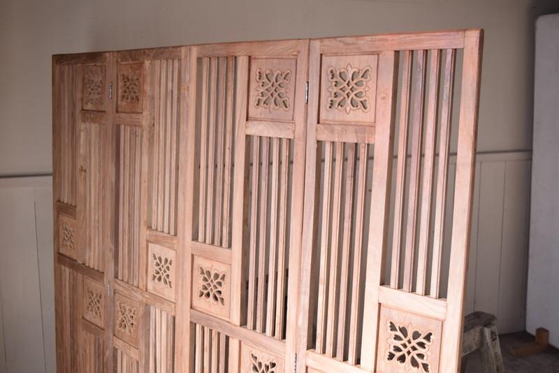 木肌,アンティーク,衝立,パーテーション,透かし彫り,格子,チーク,植物,ディスプレイ