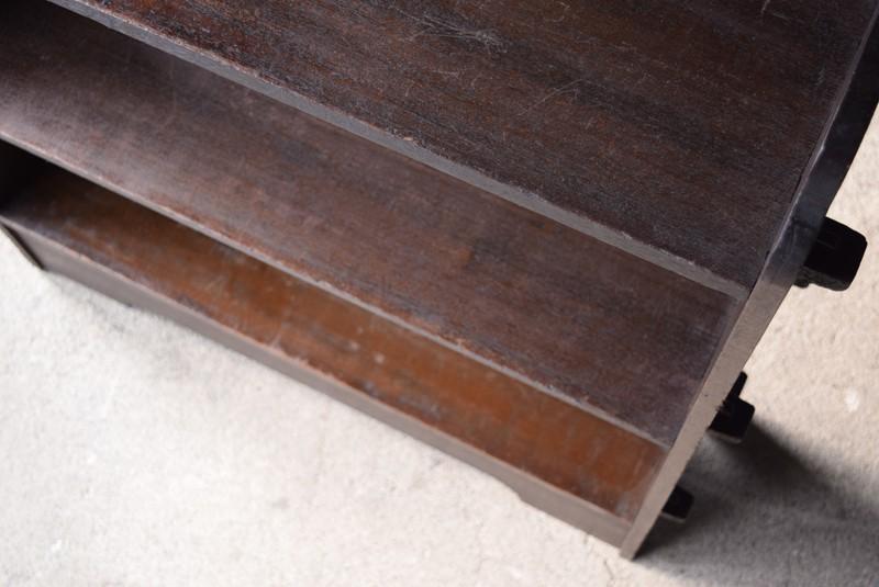 3段,アンティーク,ヴィンテージ,本棚,オープンラック,透かし彫り,陳列棚
