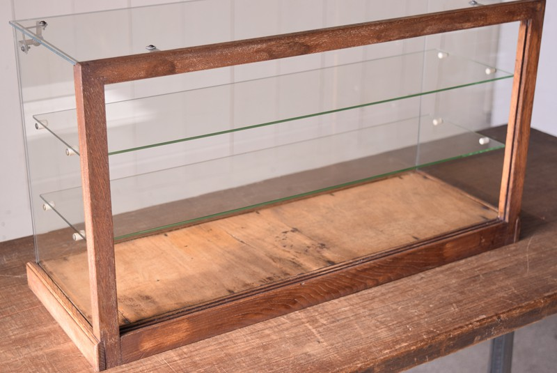 裏側のみ木枠が,アンティーク,ガラスケース,ショーケース,木枠,焼き菓子,小物,陳列,ディスプレイ