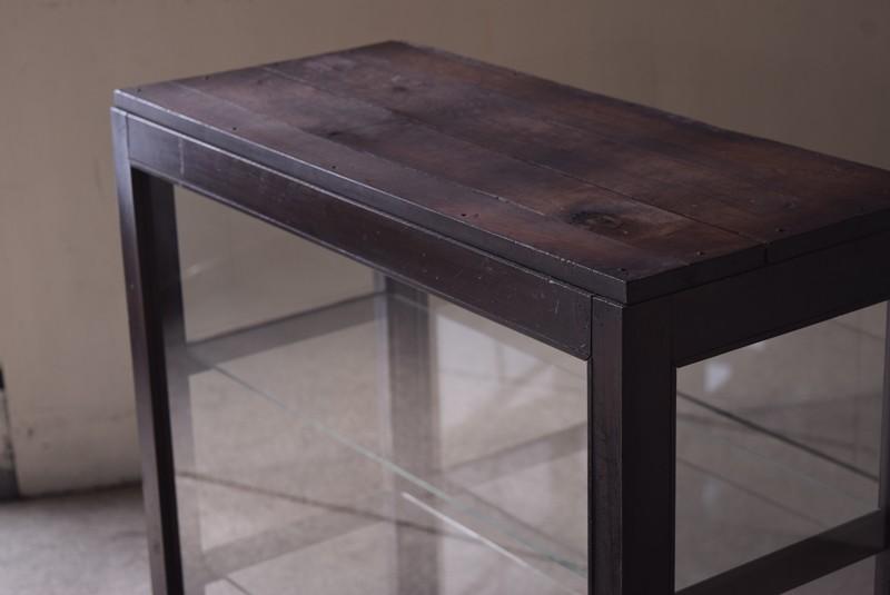天板は丈夫な木製なのでレジカウンターとしても,アンティーク,ガラスショーケース,ガラスケース,陳列棚,レジカウンター,食器棚